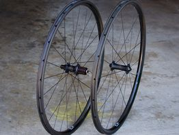 custom handbuilt wheels road carbon climb crc ul wheelset