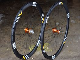 custom handbuilt wheels road carbon disc light aero CRL Disc 3